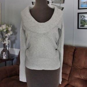 Old Navy Gray Knit Cowl Sweater Size Medium.